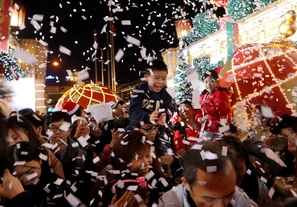 """Christmas in Hong Kong: discovering Jesus Christ """"increases the desire for a real life"""""""