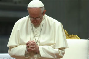 pope praying
